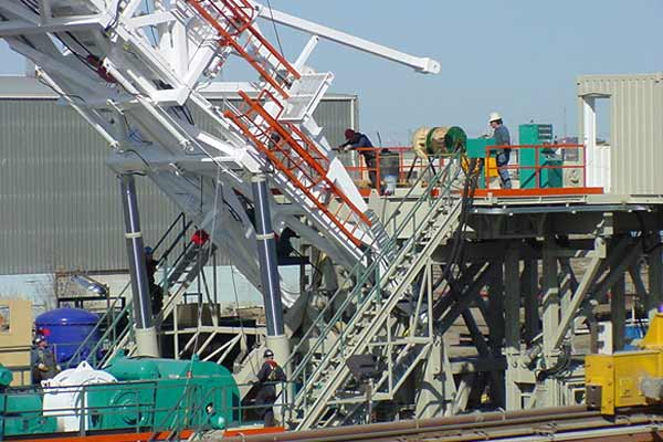 Linear Position sensors on mast raiser system hydraulics